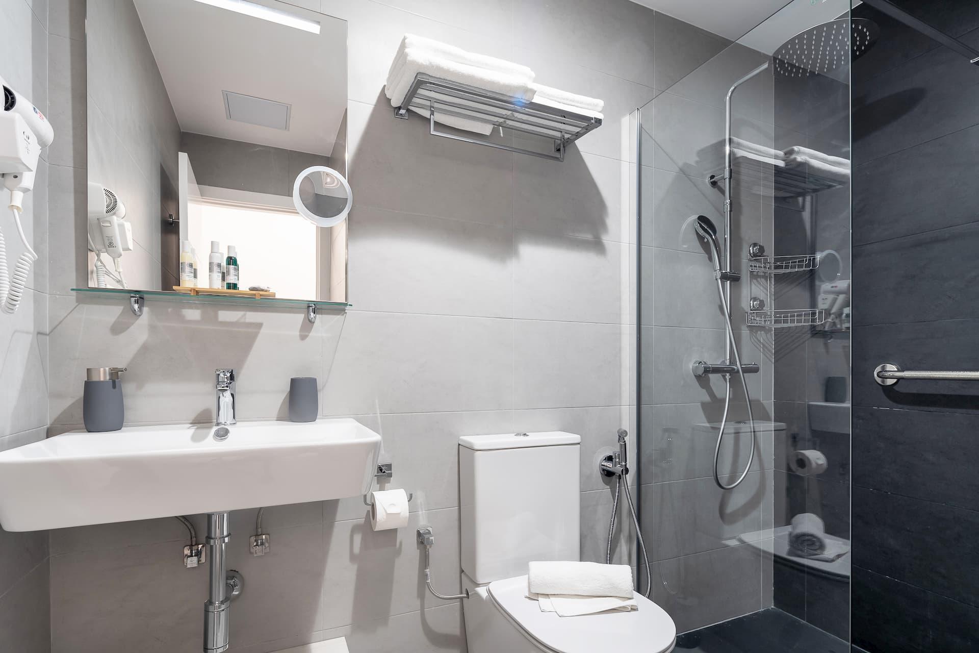 Baño y ducha Loyant Canteras