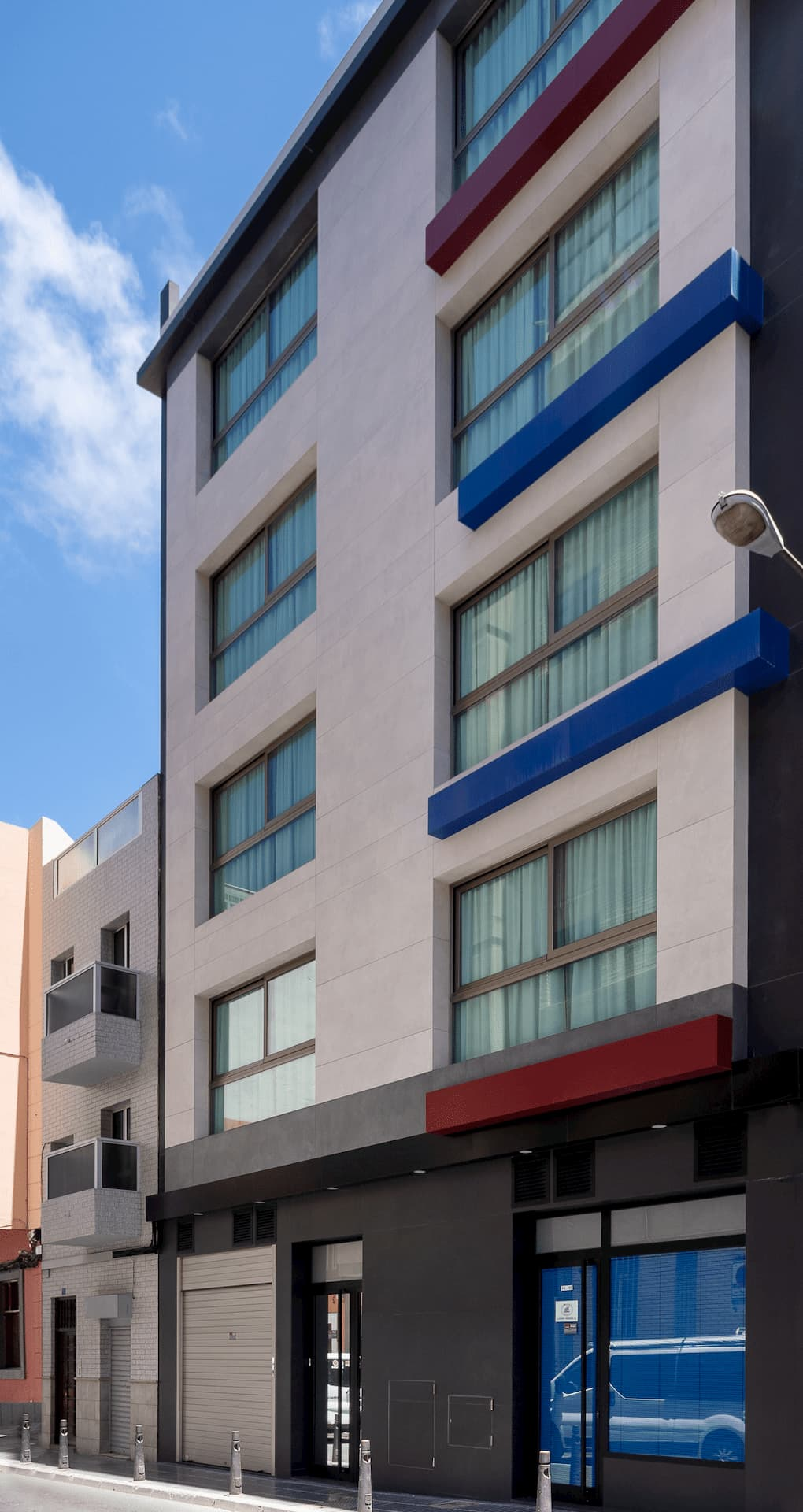 fachada de Loyant Canteras